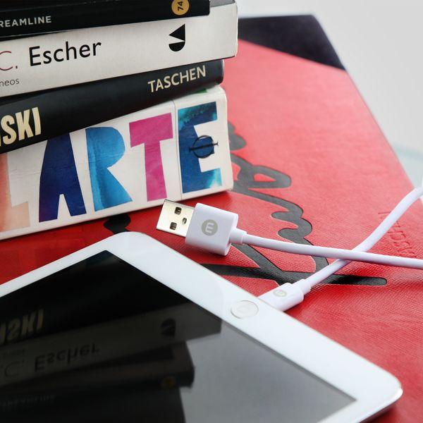 CABLE-USB-MOBO-BLANCO-IPH-5-6-3-METROS-03.jpg